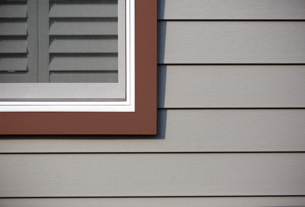 Royal Celect Siding Shale w/Carriage Red Trim